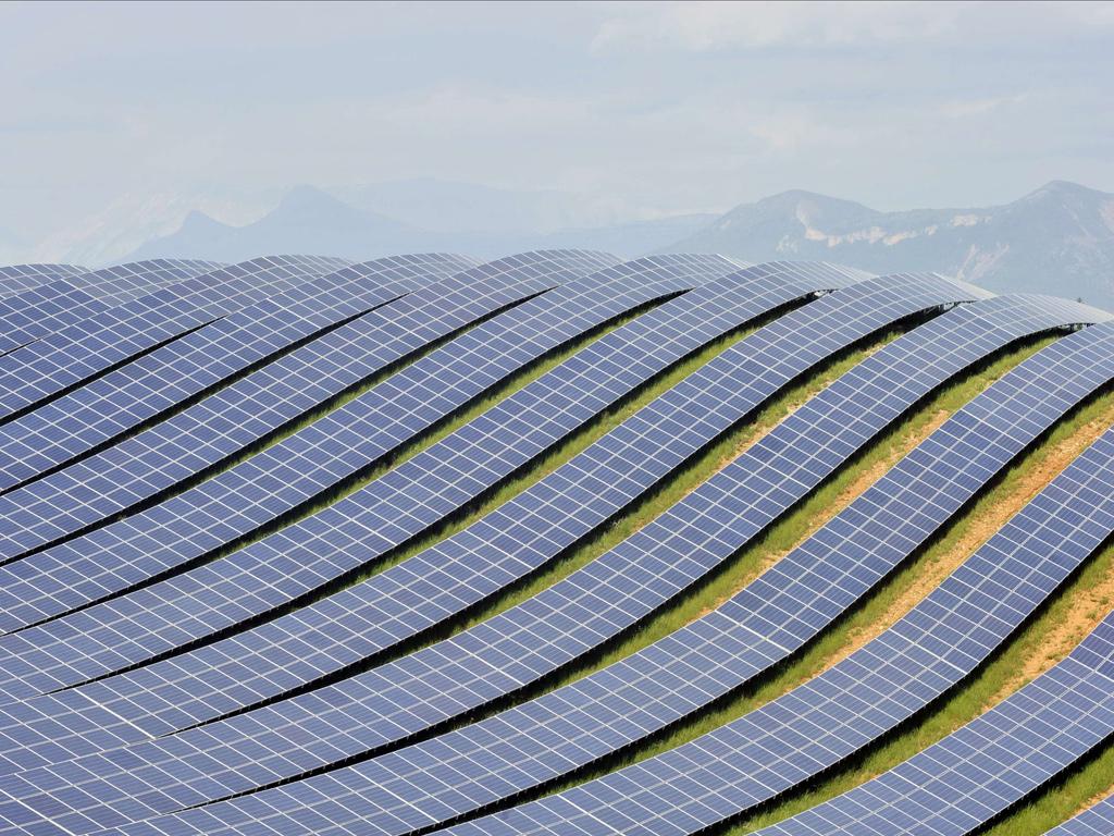 solar farm ecomostro