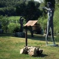 La Filiera del Riciclo, il Lounge-book EcoDesign, una cantina, le sculture di Mauro Corona